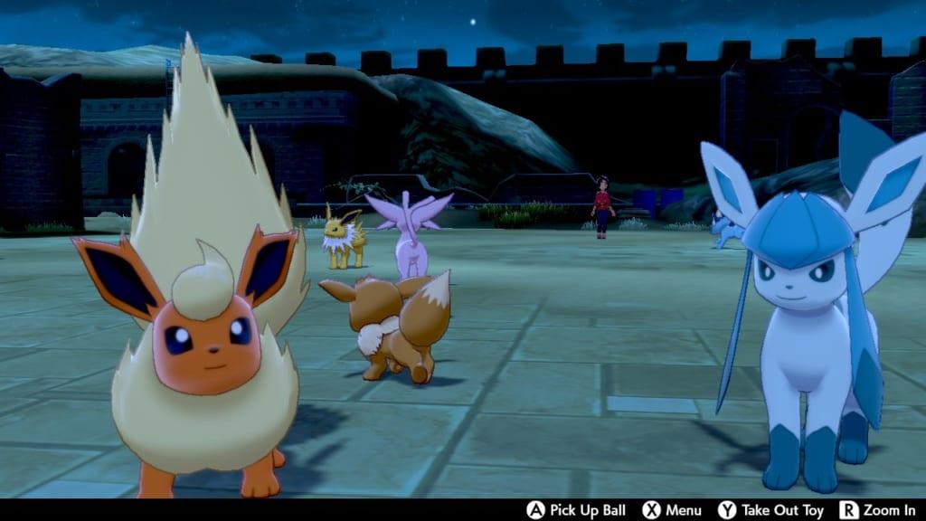 Pokemon Sword and Shield - Route 8 Pokemon Camp